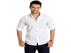Buy Rodid Men's Solid Casual White Shirt at Rs 449 Only